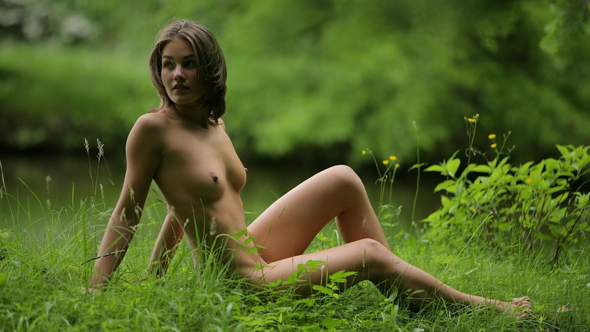 outdoorgirls-nude-brooke-alexander-cosmid-couch